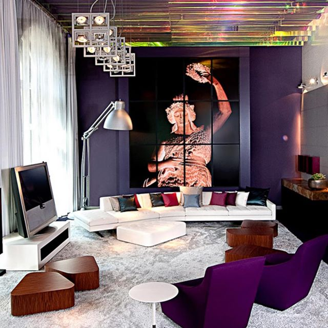 #Monroe has a wool and linen bouclé yarn surface that is both dynamic and iridescent, giving it a distinct radiance found nowhere else. Photo: Hotel Sofitel Munich, Bayerpost #linkinbio⠀